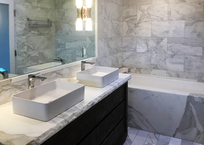 calacatta-marble-bathroom